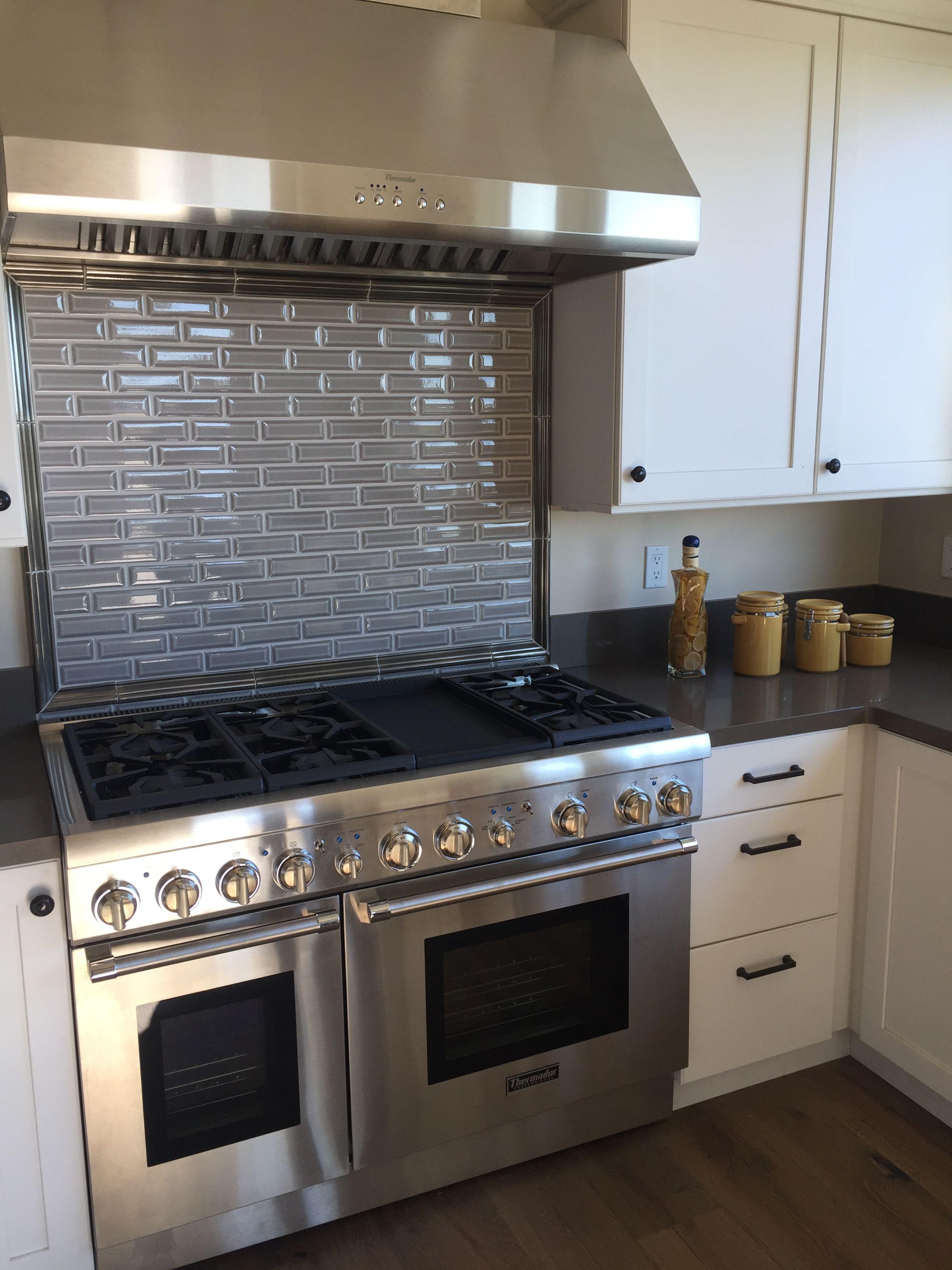 Crackle beveled brick grey kitchen backsplash