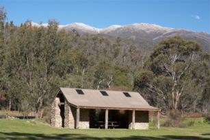 Explore The Foothills Of The Snowy Mountains On The Snowy Valleys Way Near Tumbarumba My Favourite Town In This Region Snowy Mountains Snowy Tranquillity