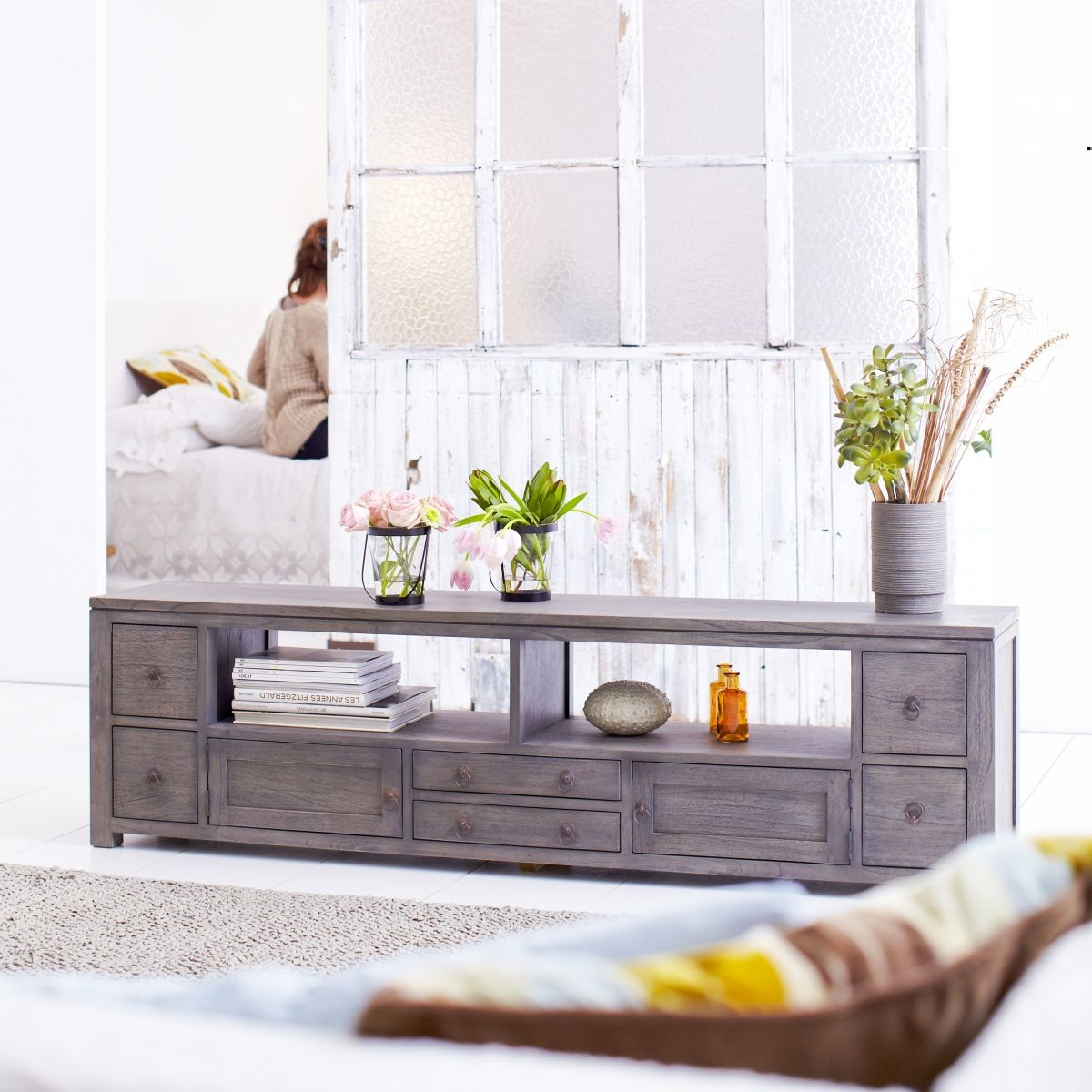Miro Grey Mindi Wood Tv Stand 180 Things I Love Pinterest  # Meuble Tv Oval