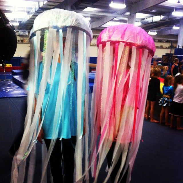 This Creative Homemade Jelly Fish Costume Lets You Reuse a Sombrero #coachella #diy trendhunter.com & Crafty Aquatic Costumes | Pinterest | Jelly fish costume Fish ...
