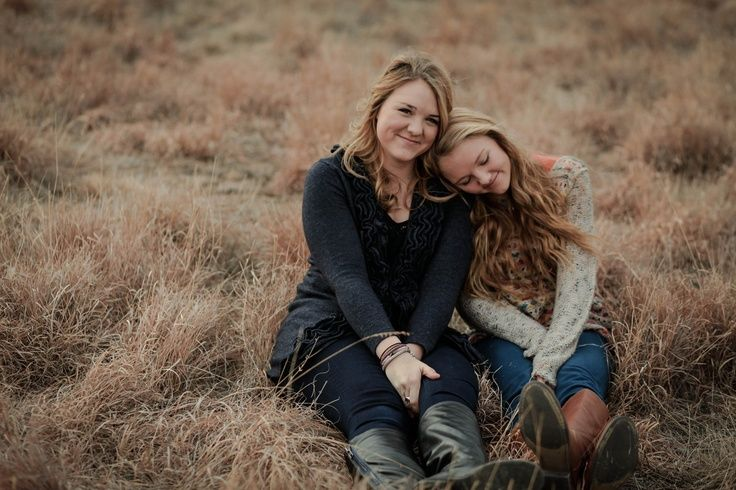 Sister Photography Poses | melanie foster photography. #sisters #family #photography #poses