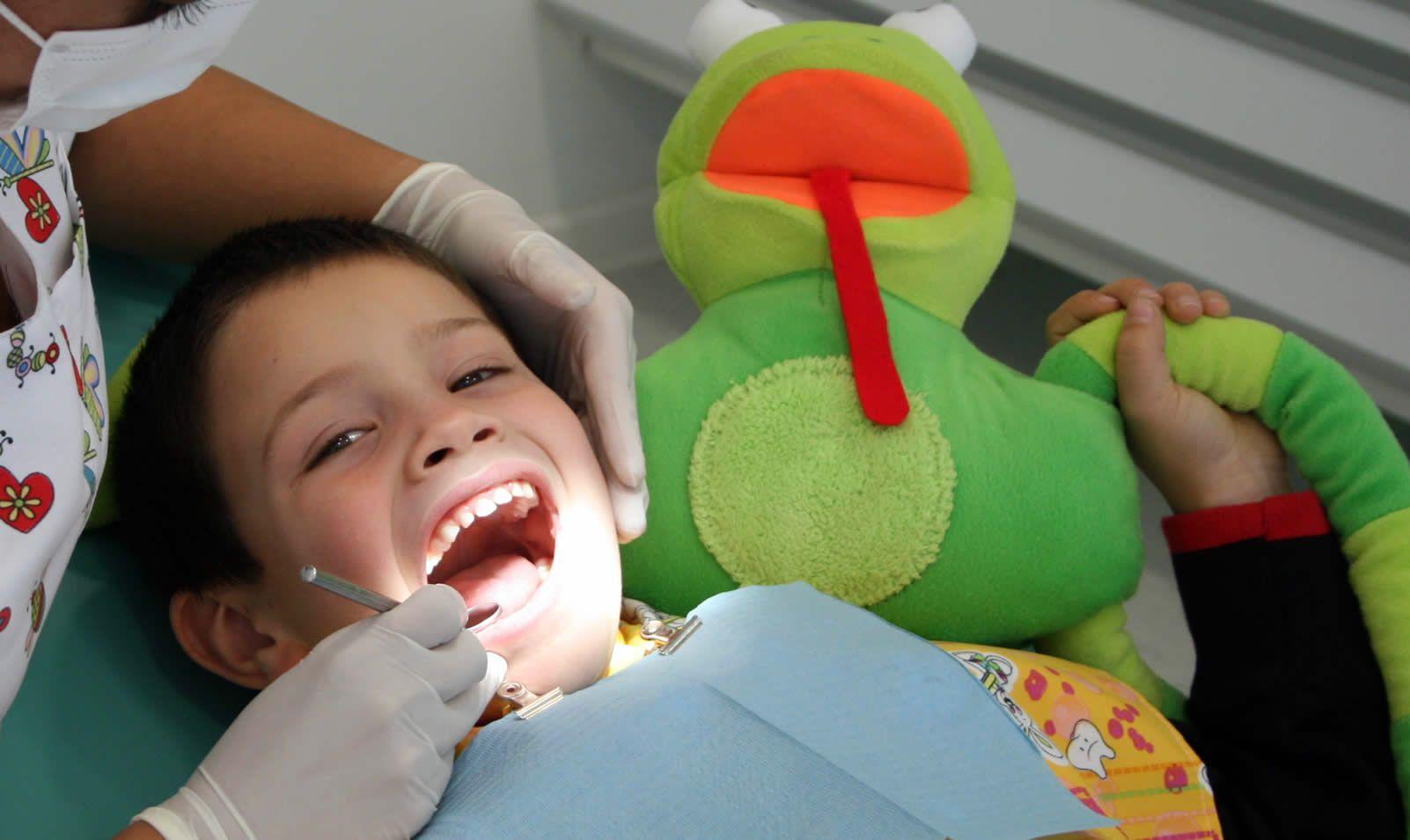 Imagen de http://www.clinicadentalagustinas.cl/wp-content/uploads/2015/06/odontopediatria.jpg.