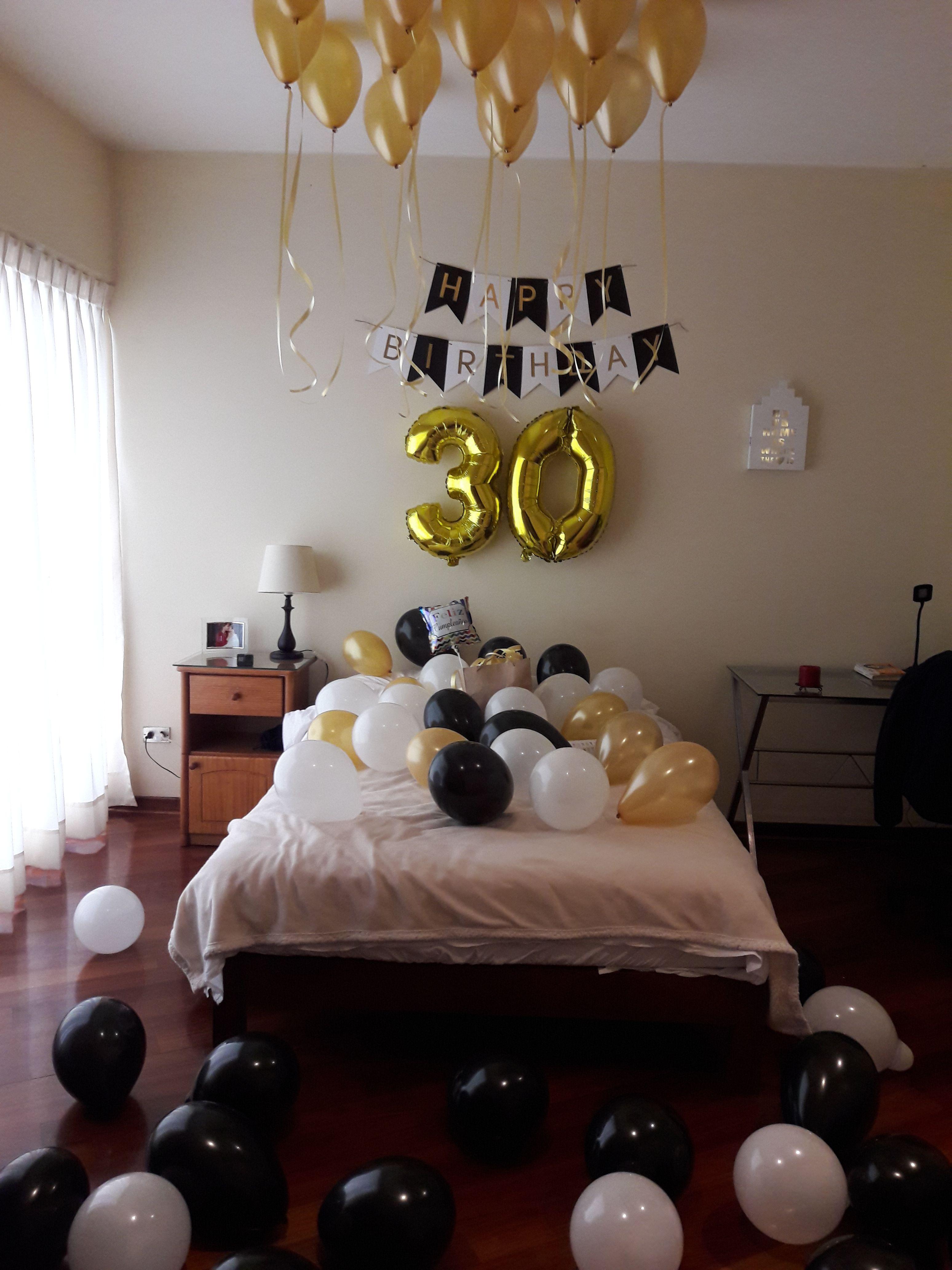 Decoraci n de cuarto con globos sorpresa de cumplea os for Cuartos decorados feliz cumpleanos