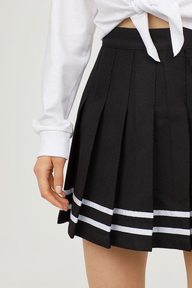 4bb8e4b15e Short Pleated Skirt in 2019 | Madam Malkin's | Pleated skirt outfit ...