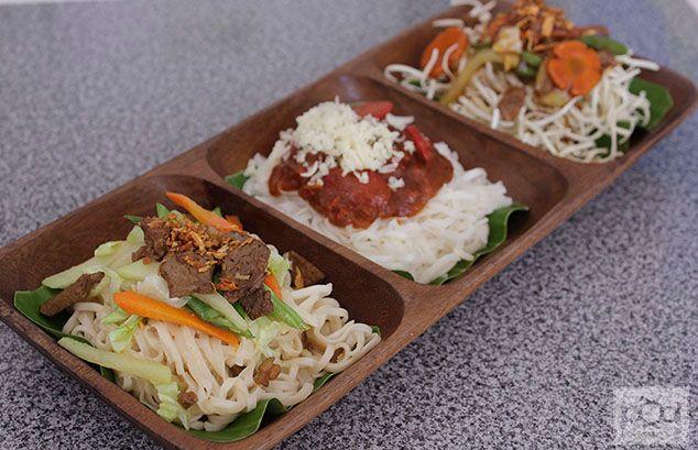 Iloilo's Pancit Efuven (Guisado, Spaghetti & Crispy) now at Pancit Center