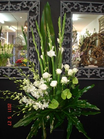 This One Is Really Great I Like The Lines And The Use Of Antherium I Like It Large Flower Arrangements White Flower Arrangements Fresh Flowers Arrangements