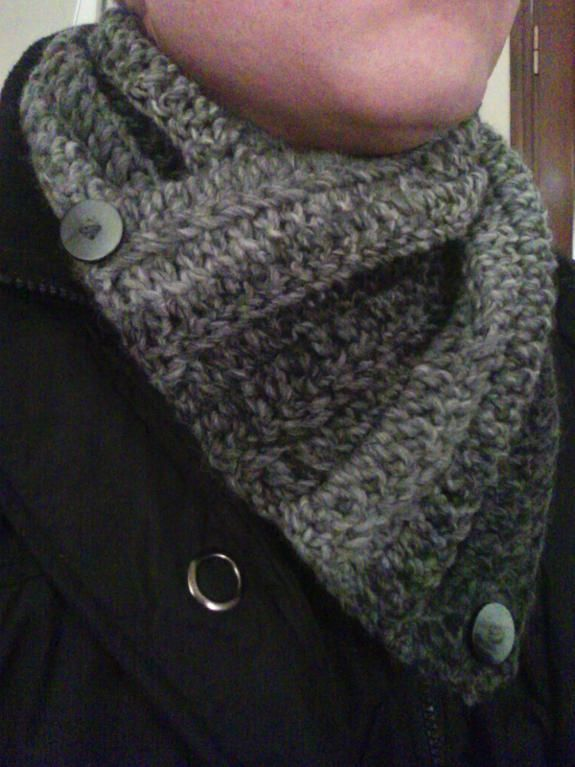 Crocheted neckwarmer for men   tejidos   Pinterest   Bufandas para ...