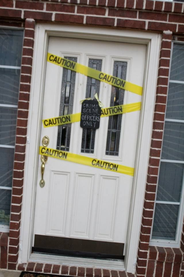 POLICE CRIME SCENE party Scene Setter wall decoration kit yellow tape brick wall