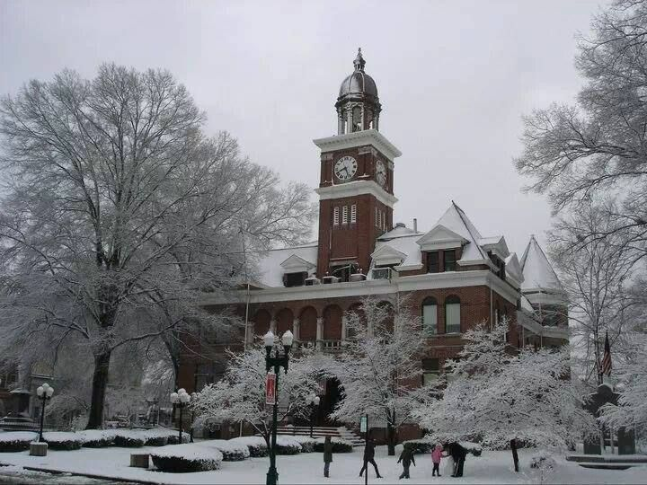 Henry county courthouse paris tn let it snow pinterest henry county courthouse paris tn sciox Choice Image