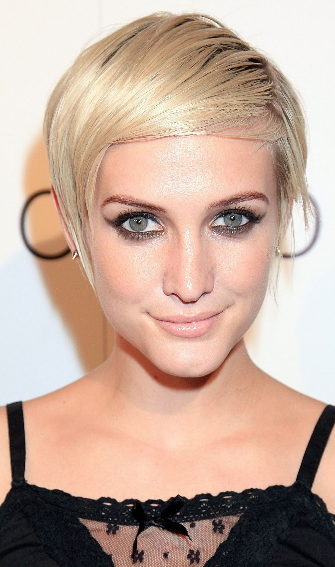 The greatest celebrity pixie cuts of the past decade pinterest
