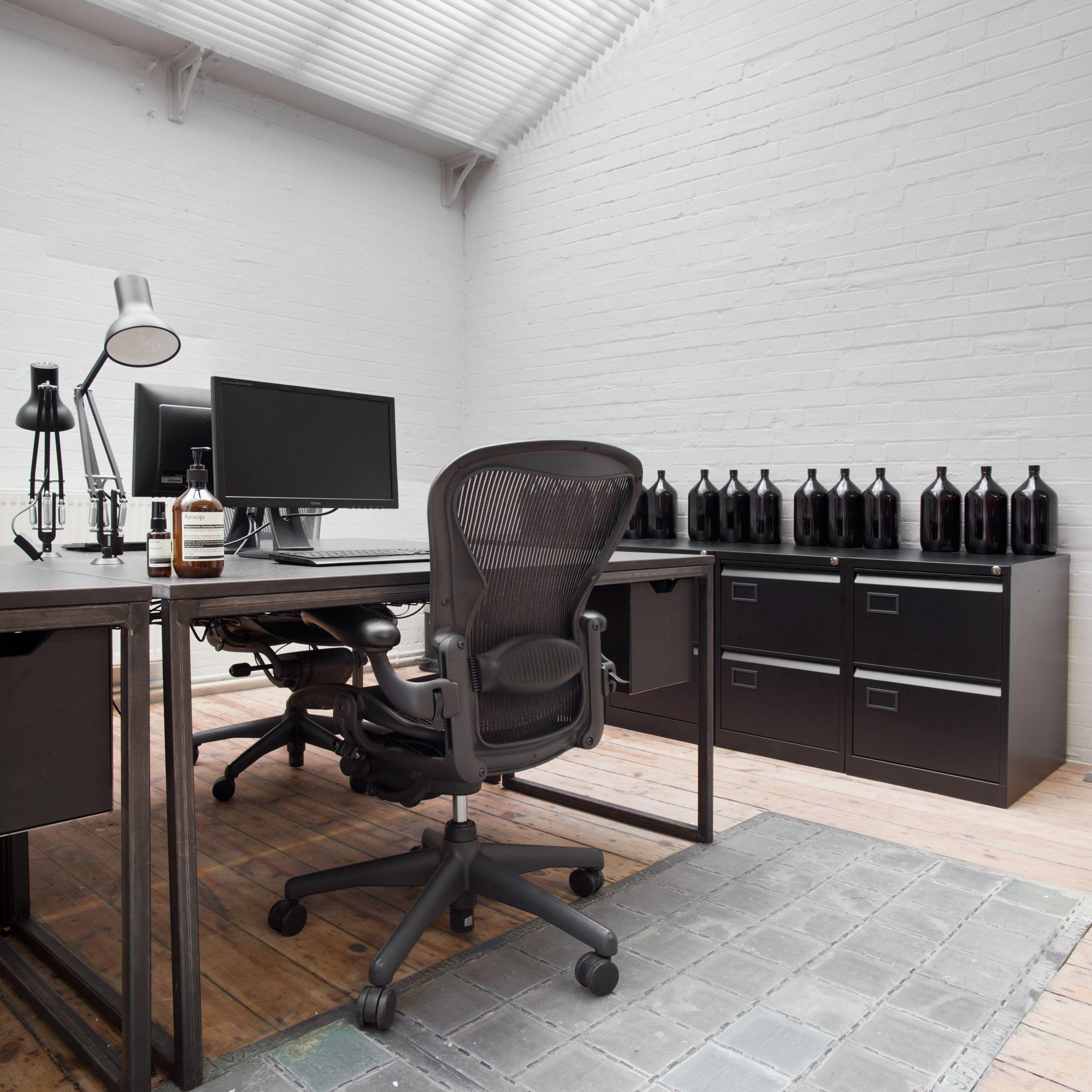 12 of the best minimalist office interiors