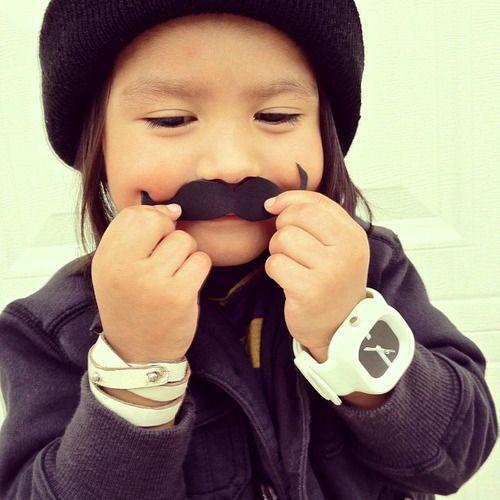 Le moustache