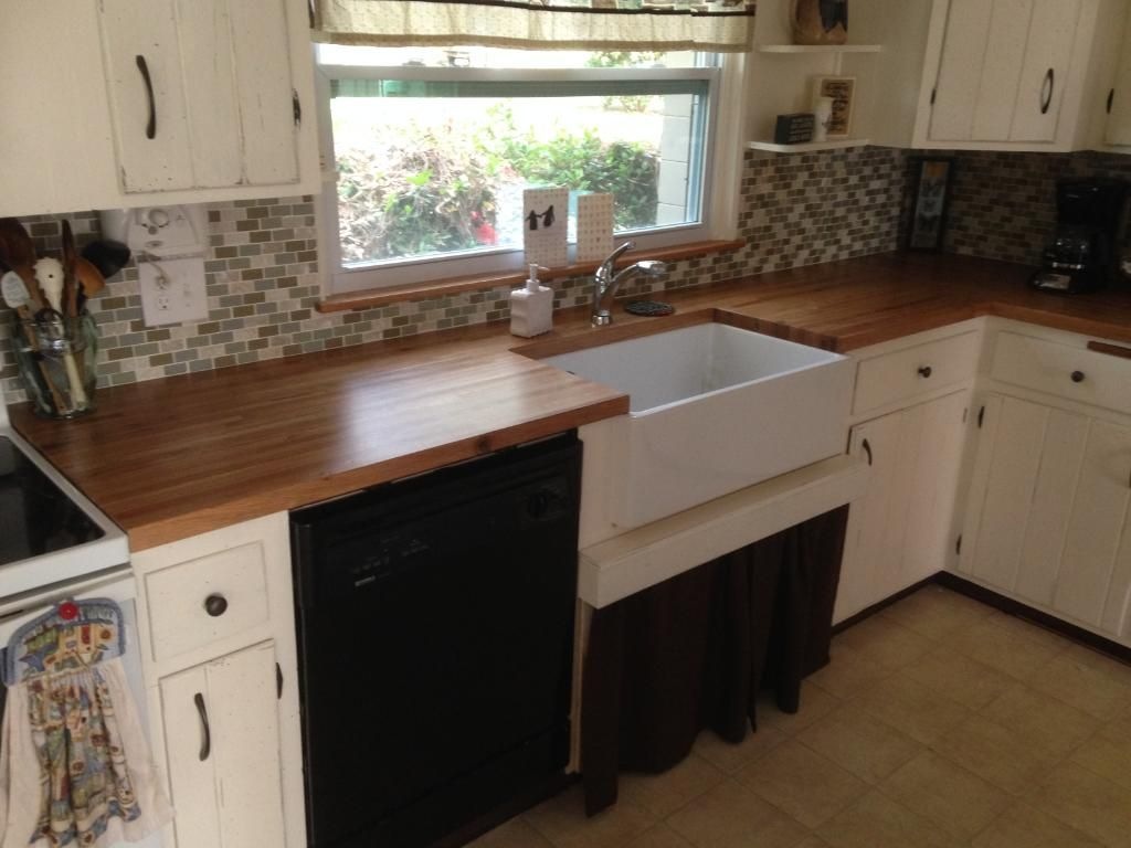 1 1 2 X 25 X 8 Builder Oak Countertop Williamsburg Butcher Block Co Lumber Liquidators Countertops Solid Surface Countertops Wood Look Tile Floor
