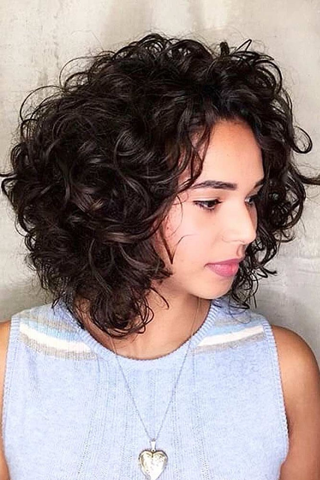 15 Chic Curly Hairstyles To Make You Look More Charming | Mid length curly hairstyles, Choppy ...
