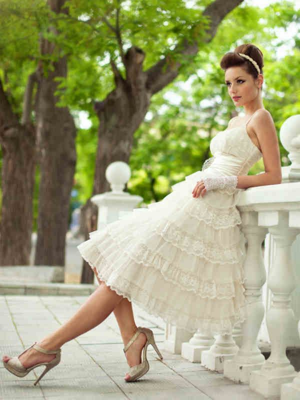 Choosing Non Traditional Wedding Dress Knee Length