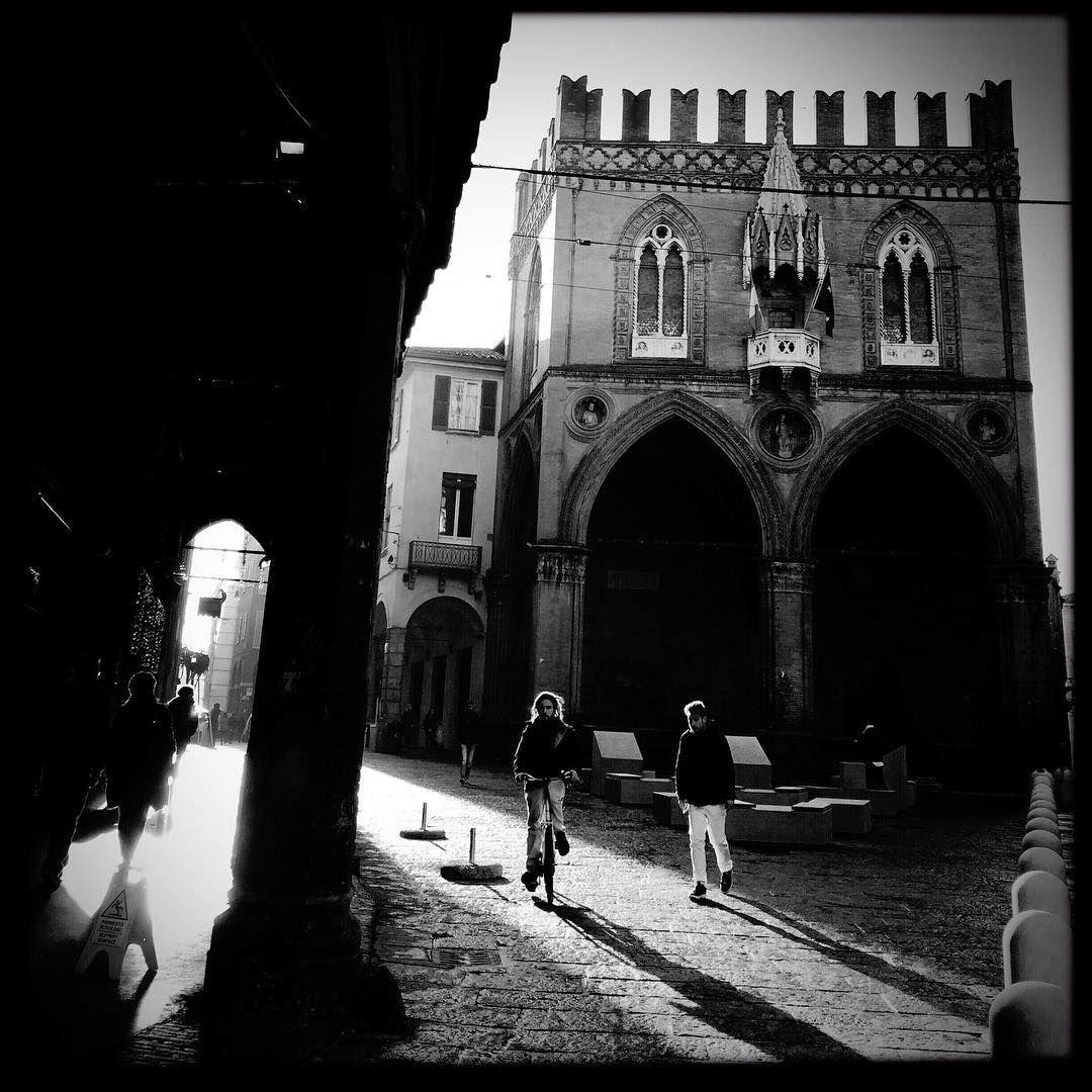 Bologna in b/n - Instagram by bravocinno
