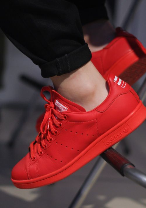 big sale 75ad2 860ad Pharell Williams x adidas Originals Stan Smith  Red