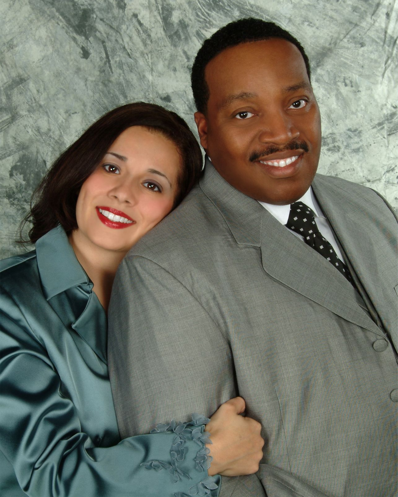 duncans black singles Our black dating site is the #1 trusted dating source for singles across the united states register for free to start seeing your matches today.