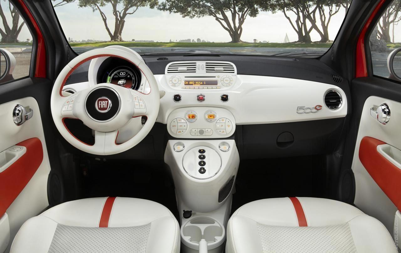 2014 Fiat 500e Great Interior And All Electric Search For Fiats On Carsquare Com Italiancar Europeancar Fiat 500e Fiat 500 Fiat Cars