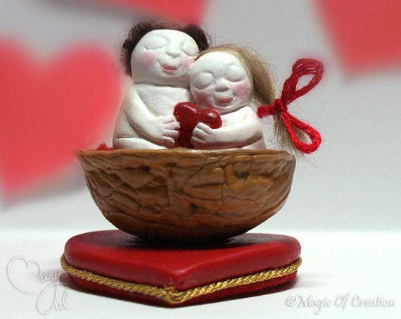 OOAK miniature sculpture: Lovers in a nutshell! Completely handmade