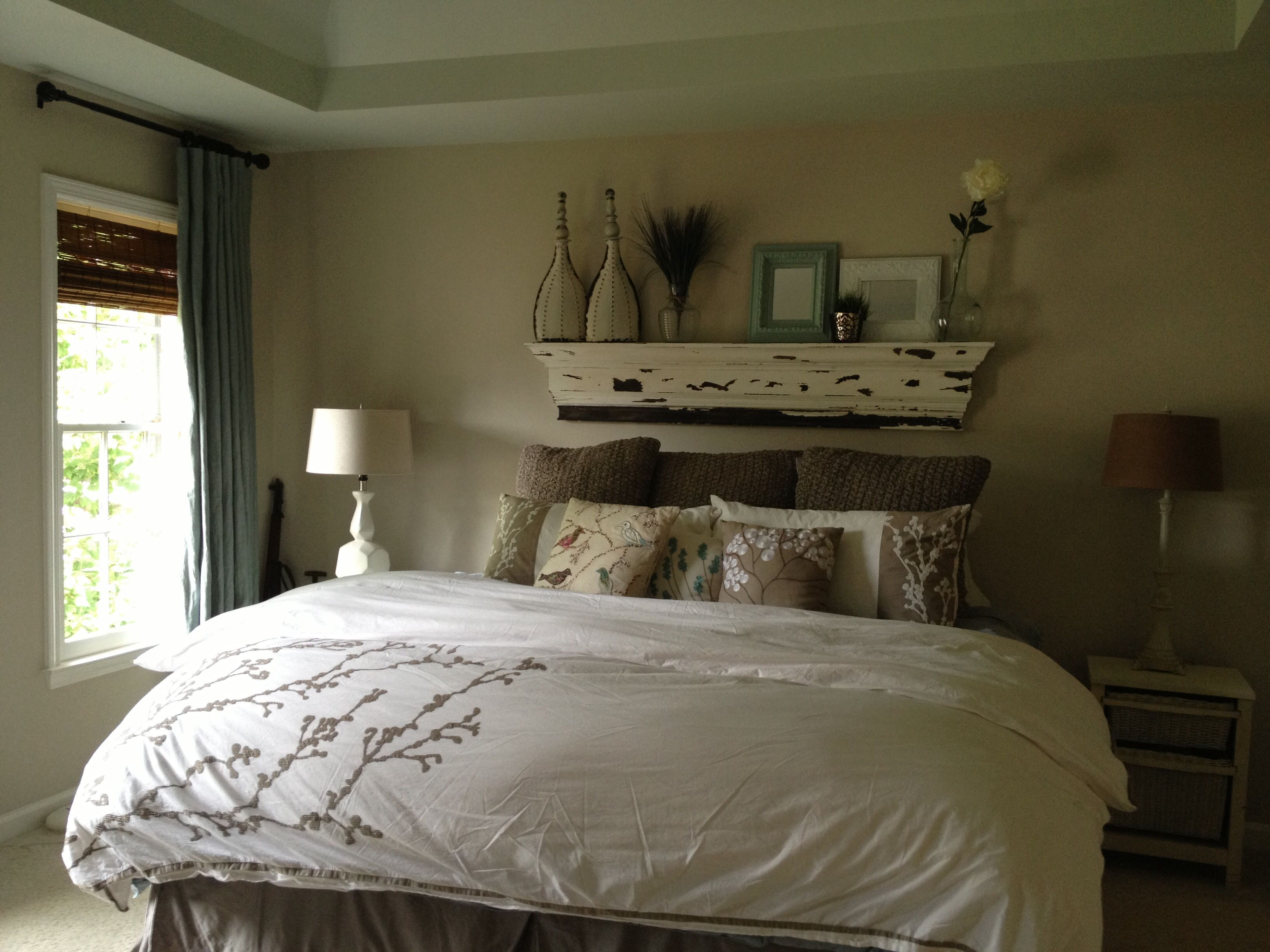 Master bedroom Bed without headboard, Home decor bedroom