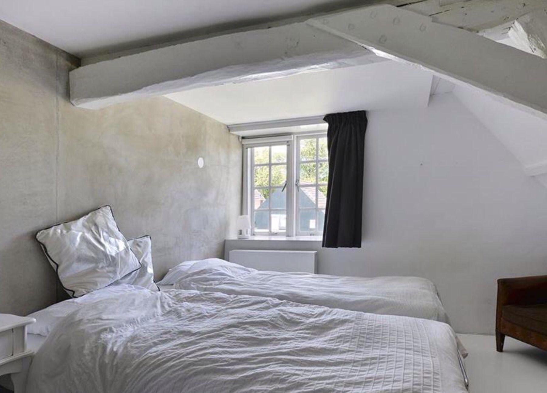 Slaapkamer Woonboerderij Coby : Pin van marjolijn spreeuwenberg op farm bedroom pinterest