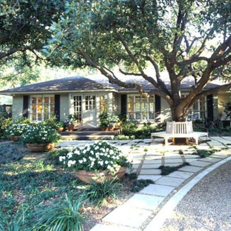 Ranch Home Exterior Ideas: Simple Courtyard Gravels Style Ideas