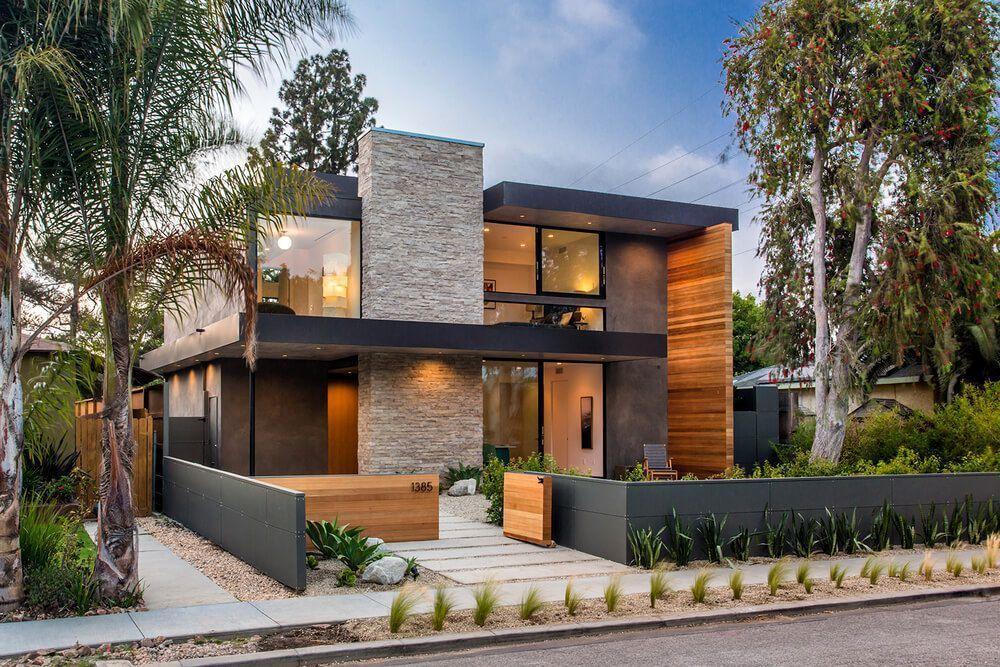Palms residence casa moderna con fachada de madera y for Casas modernas los angeles