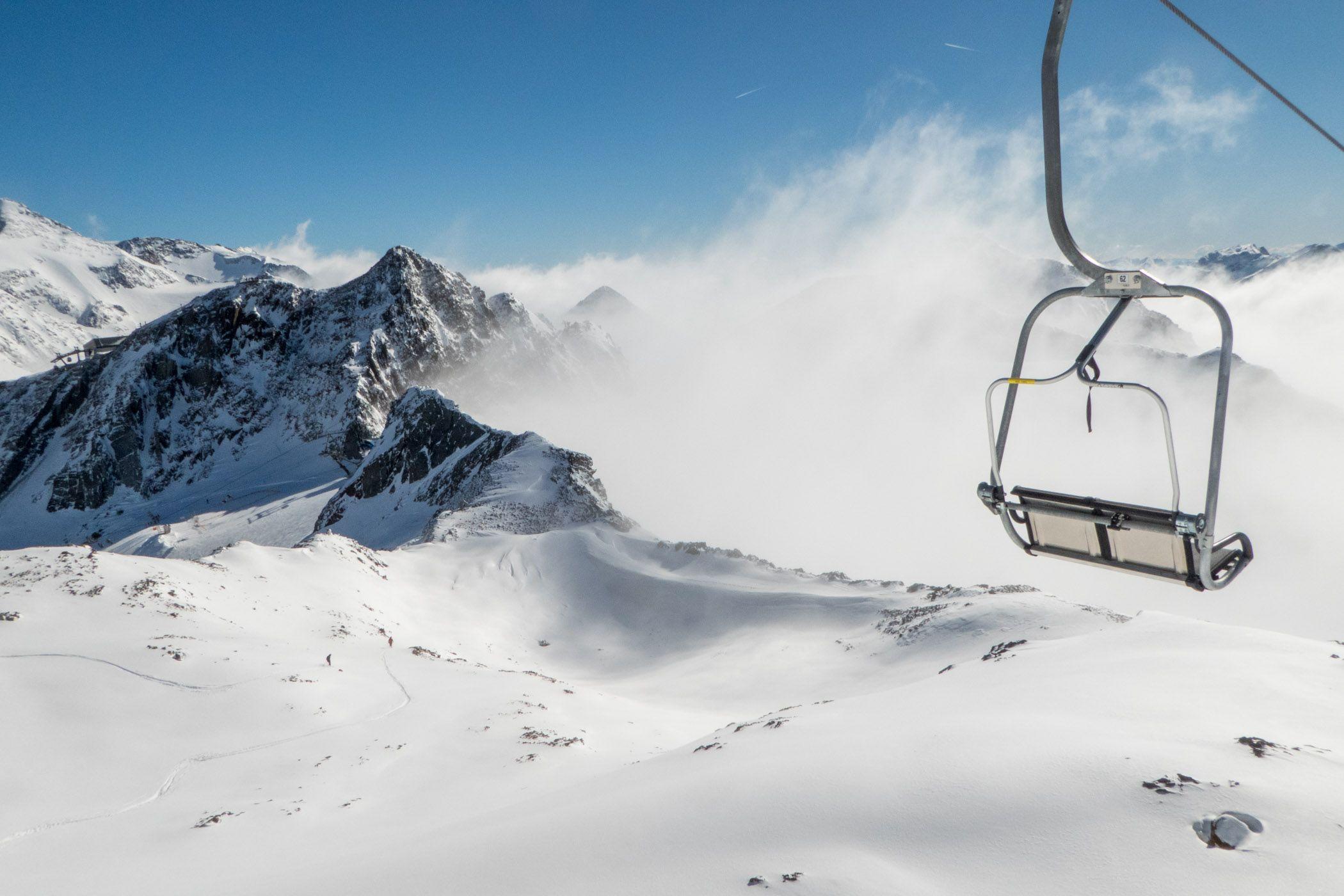 In dit artikel de tips om tijdens je wintersportvakantie mooiere foto's te maken. Over het fotograferen van sneeuw, het maken van actiefoto's en nog meer waar je rekening mee moet houden.