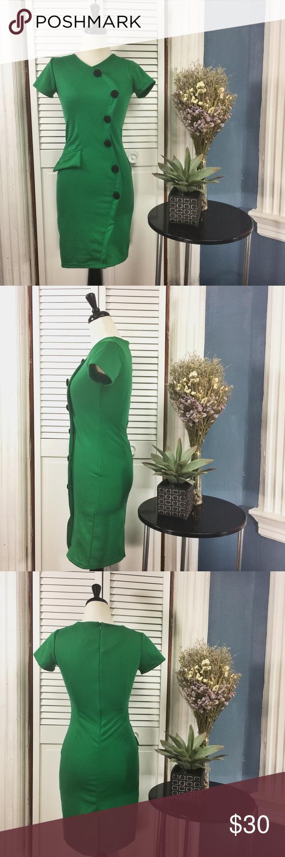 Green dress short in front long in back  Vintage Handmade Short Sleeve Green Dress