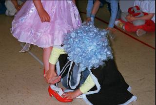Escuela infantil castillo de Blanca: CUENTO CENICIENTA Y VÍDEO