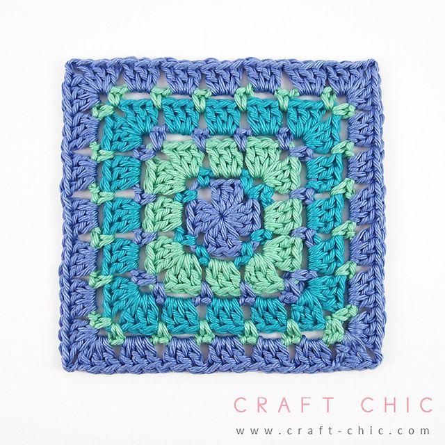 [Photo Tutorial] Turn This Block Stitch Square Pattern Into A Full Blanket. It's So Simple -  ༺✿ƬⱤღ  http://www.pinterest.com/teretegui/✿༻