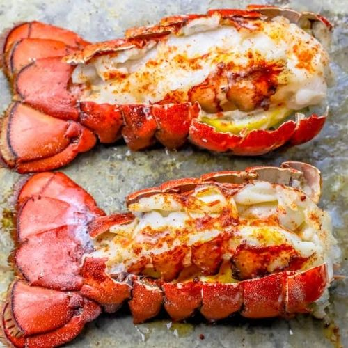 The Best Easy Broiled Lobster Tails Recipe - Oven Baked Lobster Tails #lobstertail