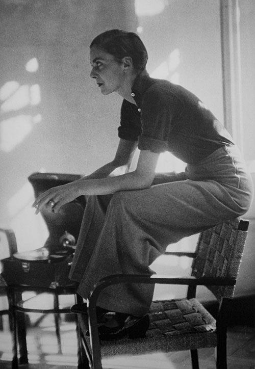 killerbeesting:  Marianne Breslauer, Lisa von Cramm, Berlin, 1934