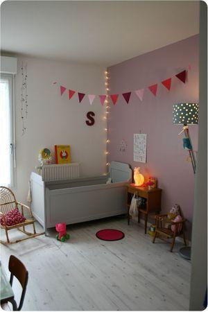 Une chambre b b pleine de charme et de po sie harmonie vieux rose et gris guirlande - Guirlande lumineuse chambre bebe fille 2 ...