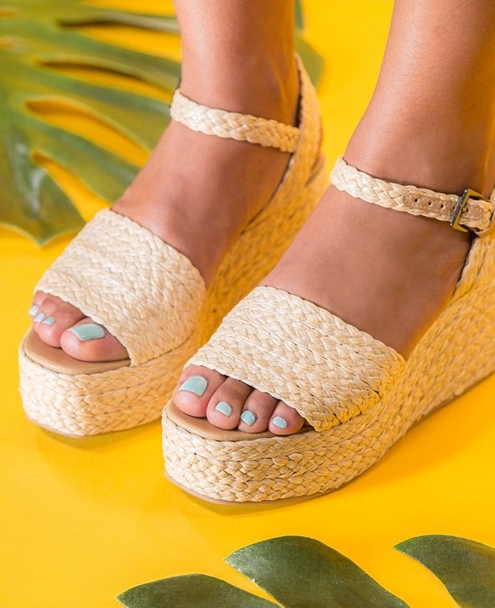 c0ff105aff4c The Best Nail Polish Colors To Wear With Your Sandals