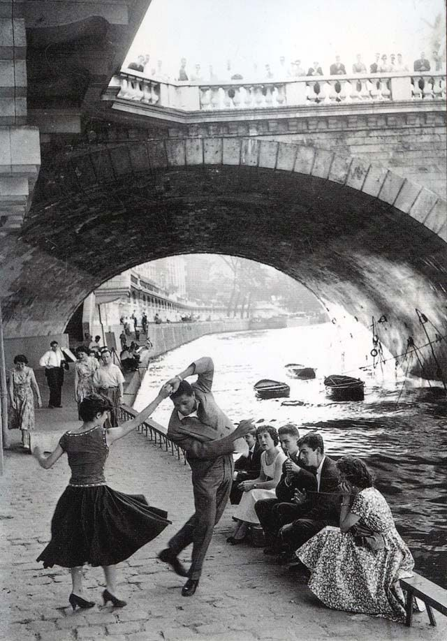 Vintage Parisian Teens – Black and White Photos Documented ...Old Black And White Romantic Photos