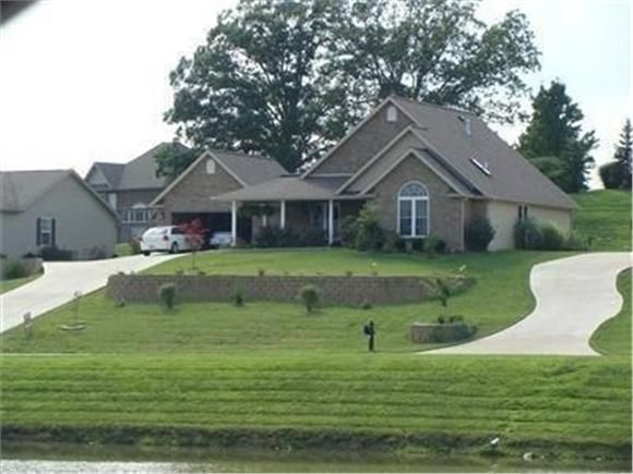MLSID:54297, 77  Lake Pointe Dr Morehead,KY,40351, Beds:3, Baths:2, Price:$205,000, Custom Built designed house with top of the line appl...