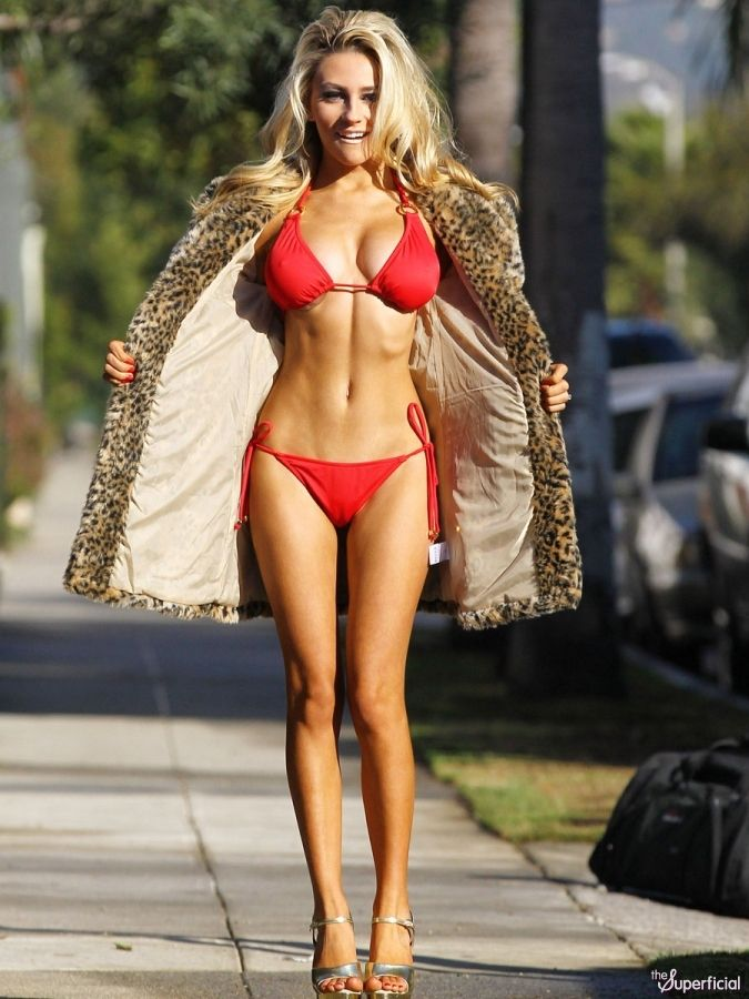 Girl with perfect body ugly