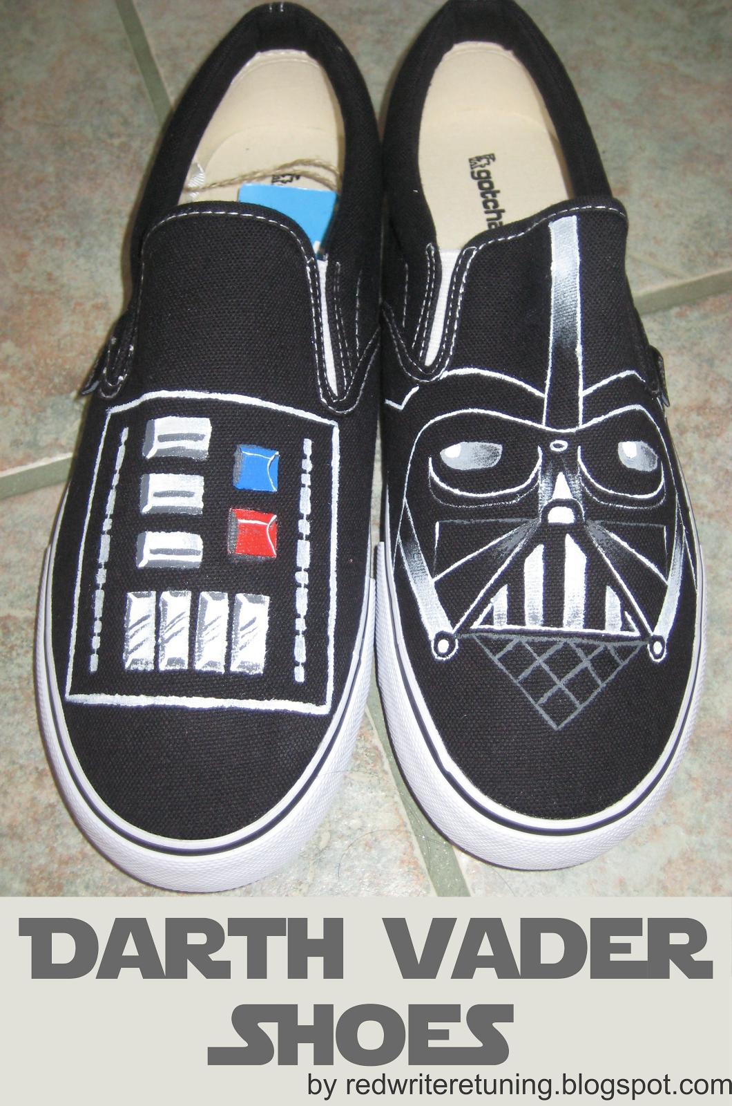 DIY Christmas Gifts: Darth Vader Shoes | Skor, Pyssel