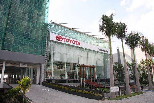 DNTN TOYOTA BIÊN HÒA (TBH) - Ngày thành lập :17/03/2000 - Là trạm dịch vụ ủy quyền chính thức (TASS) của Toyota việt nam 24/02/2001 và trở thành đại lý chính thức của Toyota việt nam 01/12/2002. > Toyota Bien Hoà Cam kết:: Giá tốt nhất tại mọi thời điểm, Thủ thục nhanh chóng. > Hỗ trợ kịp thời. Với dịch vụ bảo hành bảo dưỡng, bảo hành trực tiếp tại xưởng của công ty. > Ngoài ra, Công ty còn hỗ trợ thủ tục đăng ký, đăng kiểm, mua xe trả góp với số tiền vay từ 50% đến 70%.