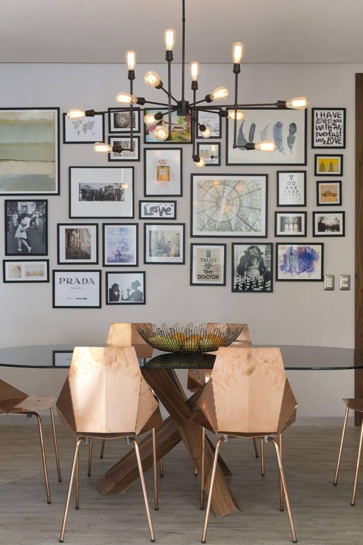 Good Bilderwand Esszimmer #8: Bilderwand, Designerleuchte Und Moderne Stühle In Kupfer Optik