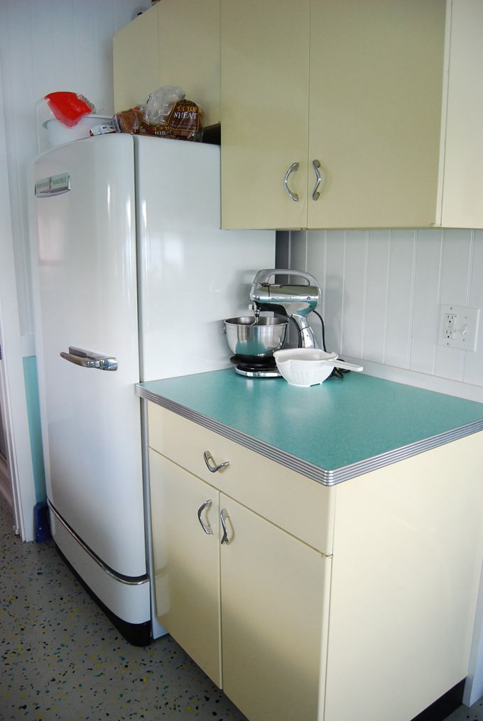 House Of Turquoise Retro Lake Cottage In Maine Vintage Kitchen Cabinets Vintage Kitchen Cabinets 1950s Vintage Kitchen