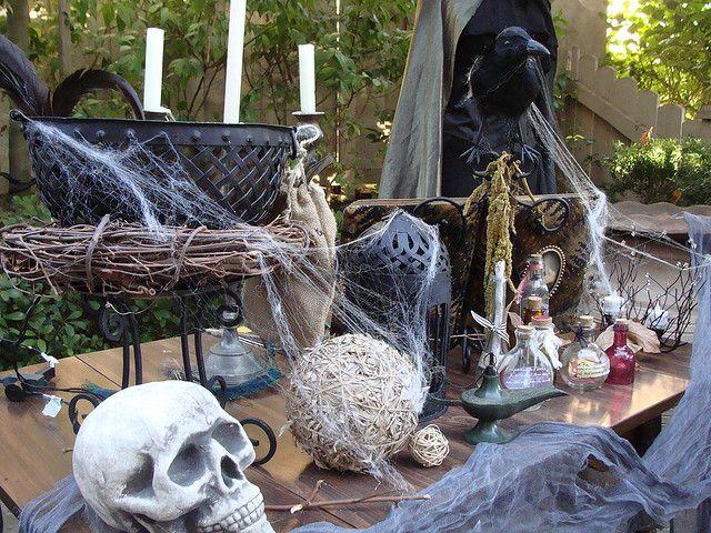 Halloween Table Displays Halloween Pinterest Halloween table - homemade halloween decoration ideas for yard
