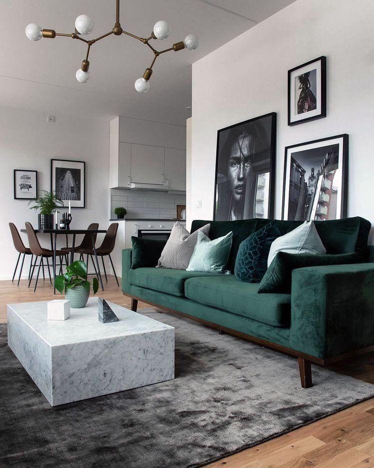 Pin By Abby Lindberg On Interior Green Sofa Living Room Living Room Decor Apartment Stylish Living Room