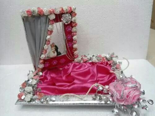 Learn wedding packing wd making of flowers..isn't it a unique idea for engagement platter