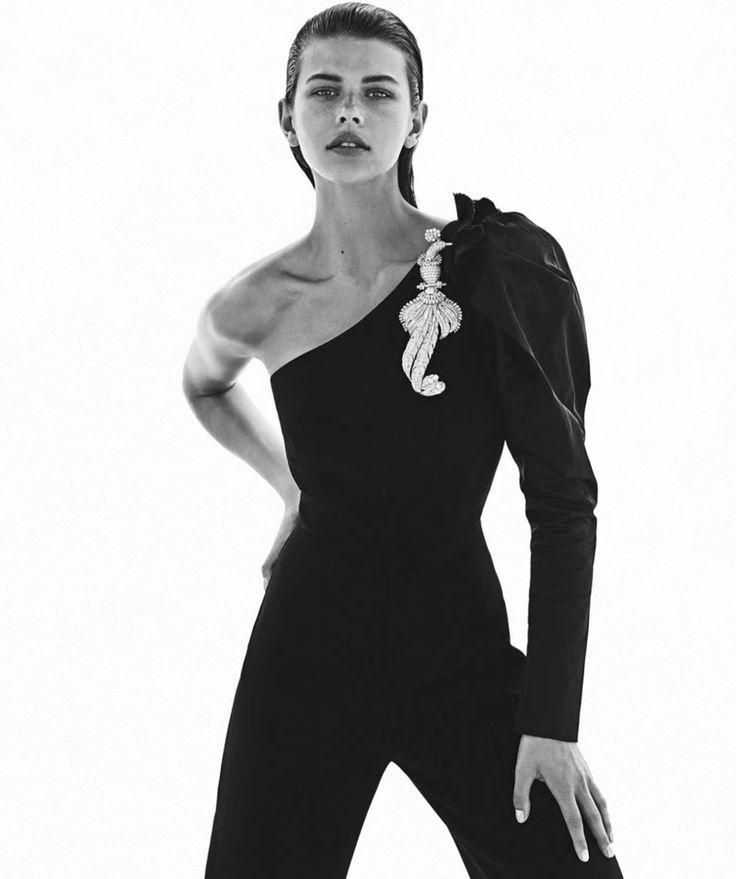 Georgia Fowler Shines in Cartier Gems for Vogue Au