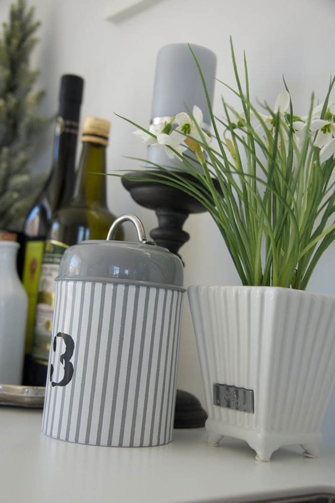 Lene Bjerre – AUTUMN 2013.  COSETTE jar and PRETORIA flower pot.