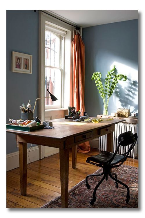Candace Cameron Bure's Roo Mag | 8 tips for a beautiful study space - love this color combination and the warm woods.