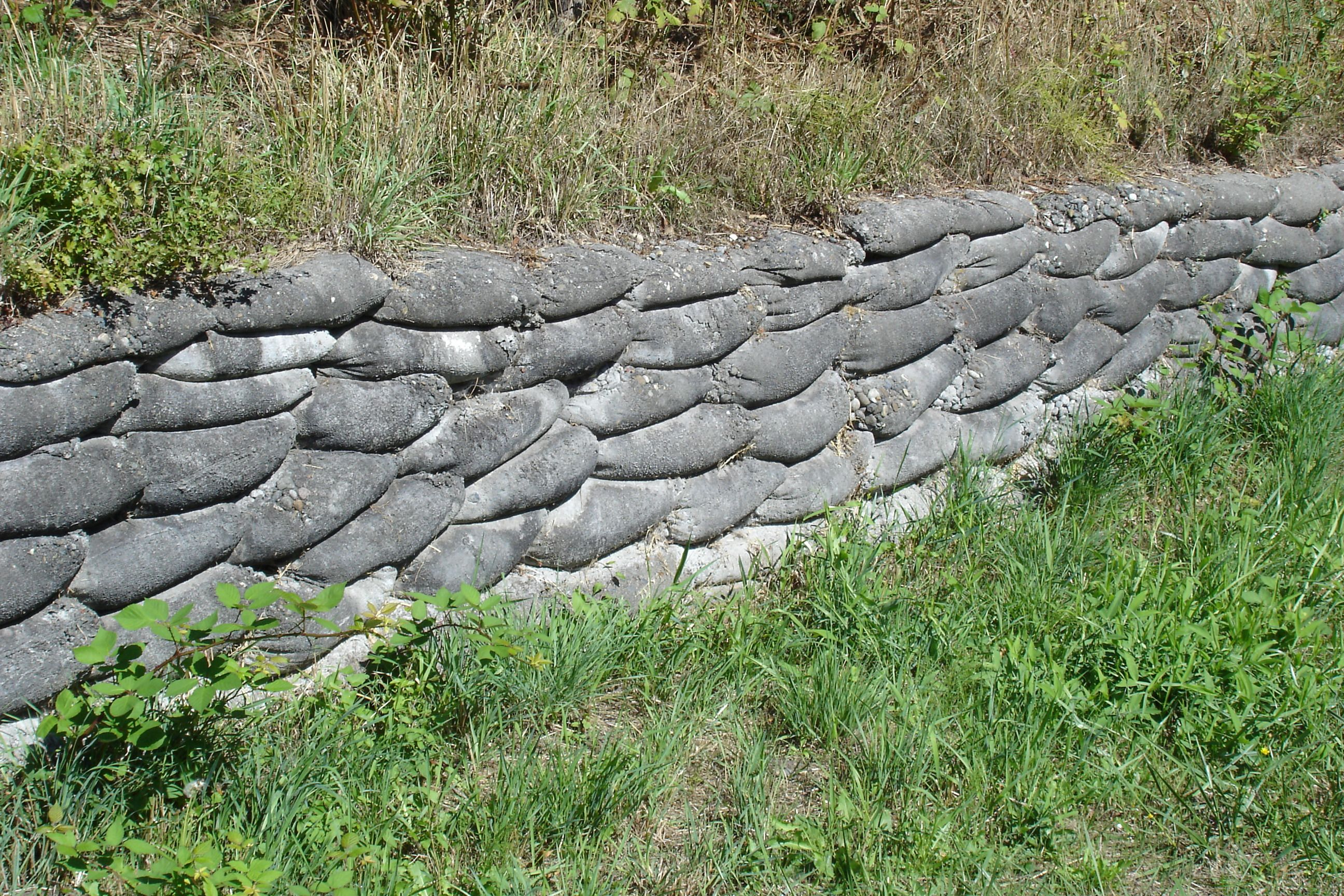 Concrete Sack Wall Concrete Retaining Walls Concrete Bags Retaining Wall